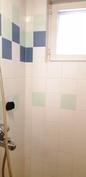 suihkunurkkaus kylpyhuoneessa