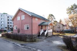 Talo on rakennettu 1956/ Huset är byggt 1956