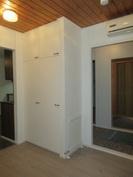 Talon lisälämmönlähteeksi on 2010-luvulla asennettu ilmalämpöpumppu rem. eteisaulatilaan!