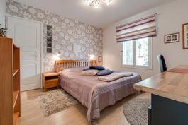 Vanhempien makuuhuone, Aninkainen.fi, Turku, Eija Herttuainen LKV  050 3245 676