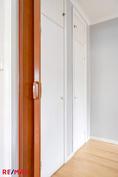 Käynti makuuhuoneeseen, MH 1 (alakerta)
