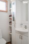 Erillinen wc tuo käytännöllisyyttä asumiseen