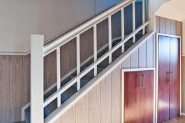 portaat ylös