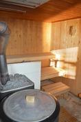 mehevälöylyinen puulämmitteinen sauna