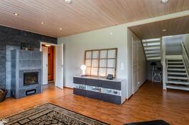 Takkahuone ja sauna alimmassa kerroksessa
