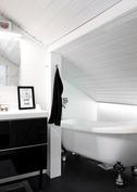 Spa-tunnelmaa kylpyhuoneessa