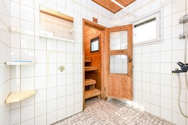 Talon pesuhuone, sauna
