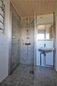 Kylpyhuone remontoidaan putkiremontin yhteydessä
