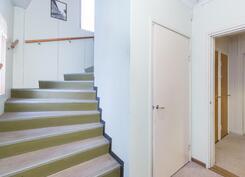 Portaat yläkertaan- Till övrevåning