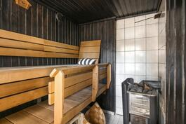 Puukiuas saunassa