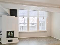 Olohuoneen ikkunasta on upeat näkymät / Fin utsikt från vardagsrummet