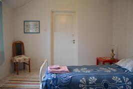 Proviisorin perhehuoneen pieni huone