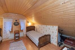 Tämänkin talon myy Pirjo 0400 639 833