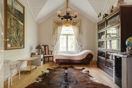 Yläkerran toinen makuuhuone/ Andra sovrummet i övre våningen