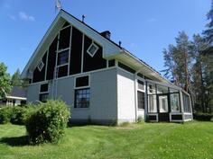 Talo on rakennettu alunperin v 1927