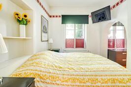 Sisäpihan puoleinen makuuhuone