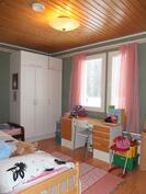 Makuuhuoneesta 3