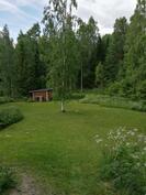 Iso nurmikenttä pelamiseen