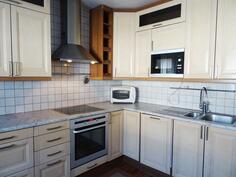 Keittiö uusittu 2005