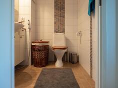 WC lattialämmitys