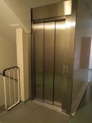 Hissit rakennettu 2001