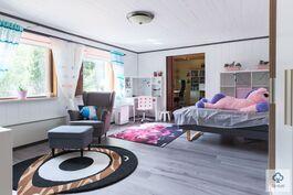 Makuuhuone alakerrassa