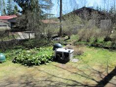 Pihagrillissä kesäherkut, tontilla myös kaivo puutarhan kasteluun