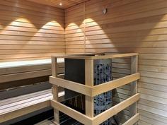 Iso tilava sauna jonka yhteydessä kattoterassi!