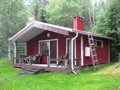mökki, jossa iso tupa, pukuhuone ja sauna
