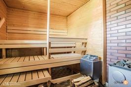 sauna (puu- ja sähkökiuas)