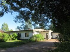 Asiallinen 1970-luvun talo Euran suositulla Kuurnamäen asuinalueella!