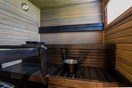 Ikkunallinen sauna, sähkökiuas