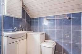 yläkerran kph/wc on pyykkihuolto