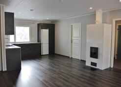 Malliesimerkki rakentajan toisesta rakentamasta talosta (ostajan valitsemat materiaalit)