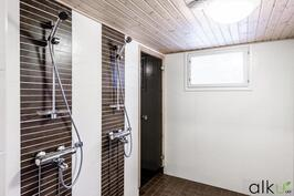 Kylpyhuone on remontoitu 2012