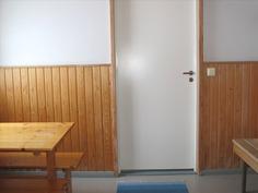 Taloyhtiön saunan pukuhuone