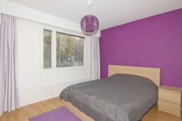 1.makuuhuone jossa pinnat uusittu 2015.