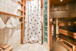 Kylpyhuone - sauna / Badrum - bastu