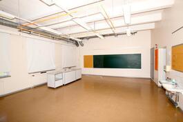 Tilavia luokkahuoneita