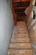 portaat ylös vintille