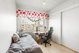 Makuuhuone 3vaatehuoneella / Sovrum 3 med klädrum