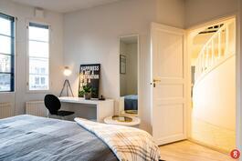 Makuuhuone 1, alakerta