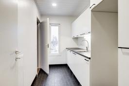 Yläkerrassa on tilava kodinhoitohuone