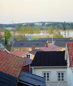 Näkymä yläkerran makuuhuoneen ikkunasta