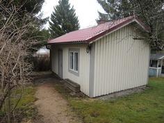 erillinen piharakennus, jossa mm. sauna