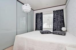 makuuhuone 1   Aninkainen.fi/Raisio,Kiinteistövälitys. Merja Hakala puh. 040 840 6627