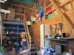 Lisäksi pihasaunarakennuksessa ja sen ylisillä on runsaasti kylmää lisäverstas- ja varastointilaa!