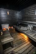 Sähkökiuas suo turvallisen saunaelämyksen.