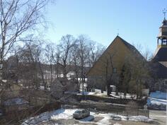 Parvekkeelta näkymät myös vanhalle kirkolle