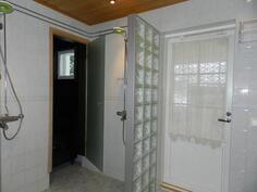 saunaosastonpesuhuonetta